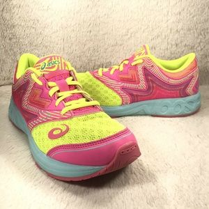 ASICS Gel-Noosa Tri Running  Size 7